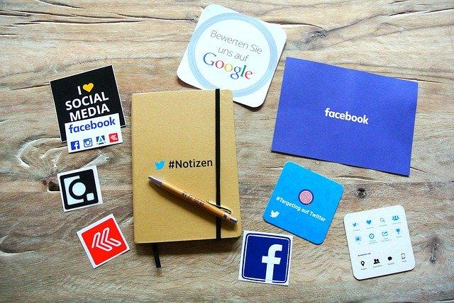 sociální média, poznámkový blok