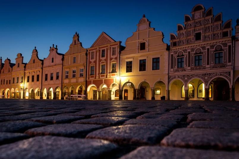osvětlené náměstí Telč